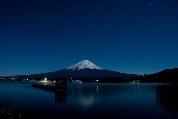 Fuji de noche